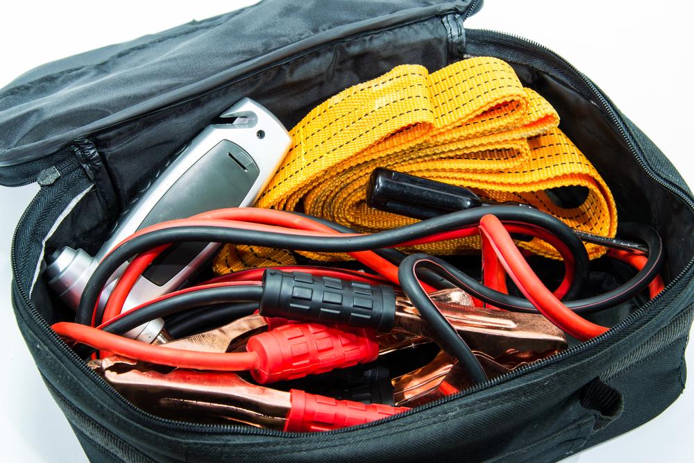 Keep a car emergency kit in the trunk