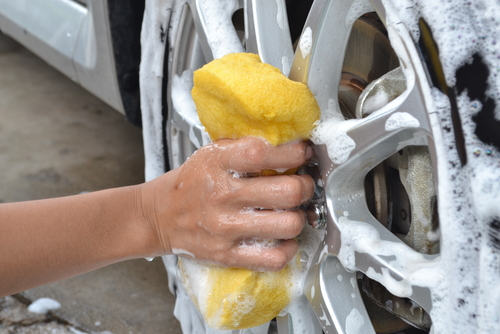 Tire washing tips -- deep clean tires, wheels and rims
