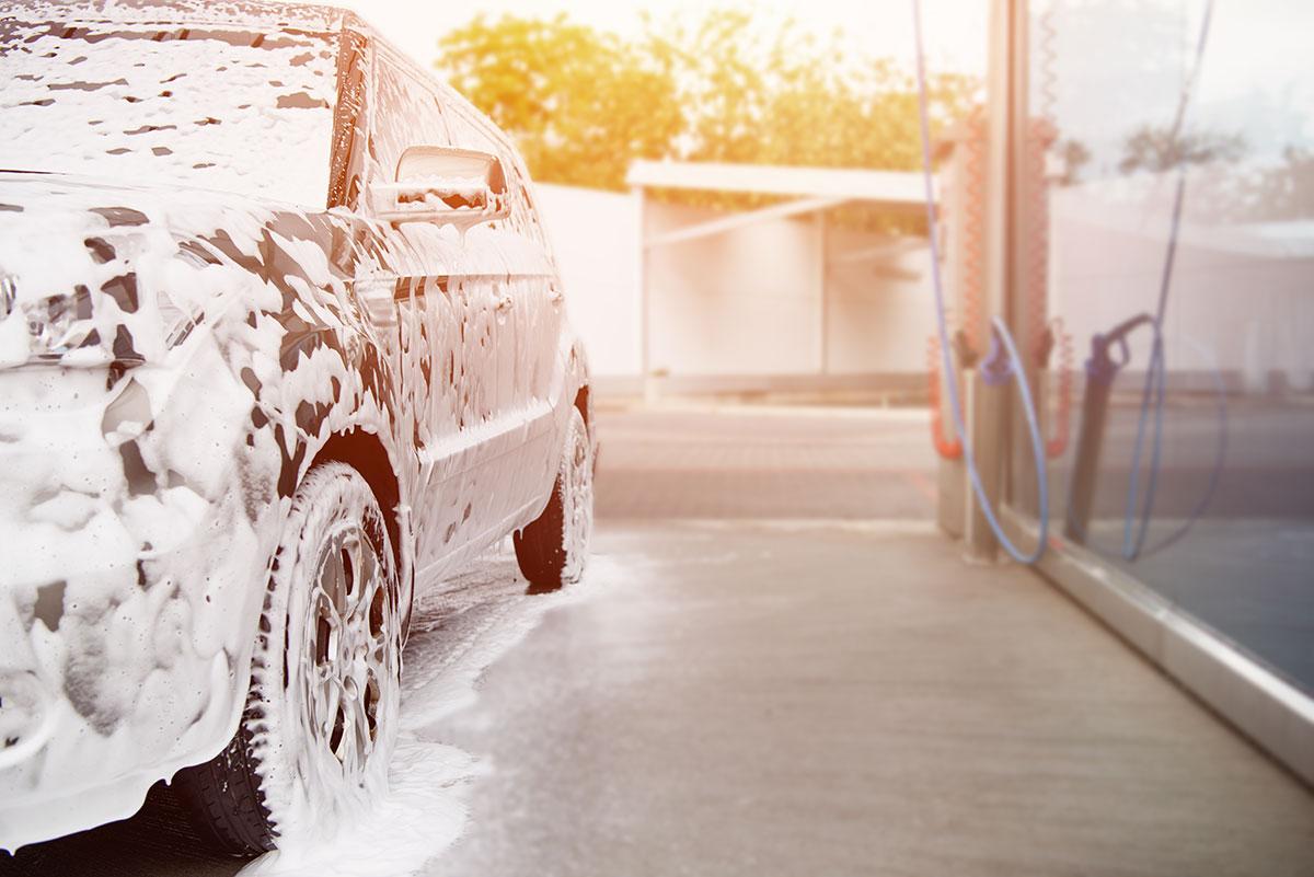 Car wash prevents paint scratches